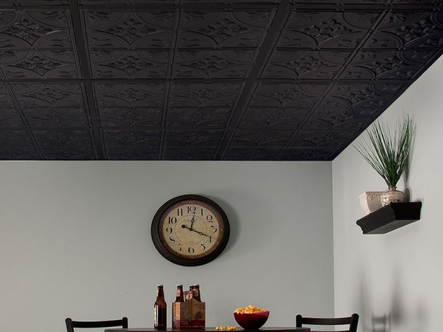 Antique in black - installed