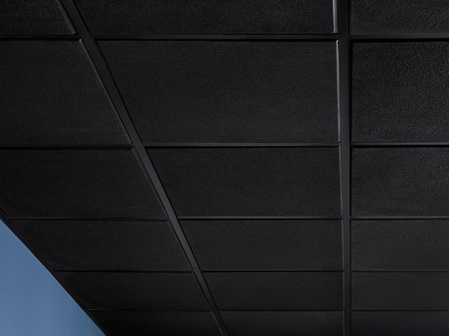 Stucco Pro Revealed Edge panel in black